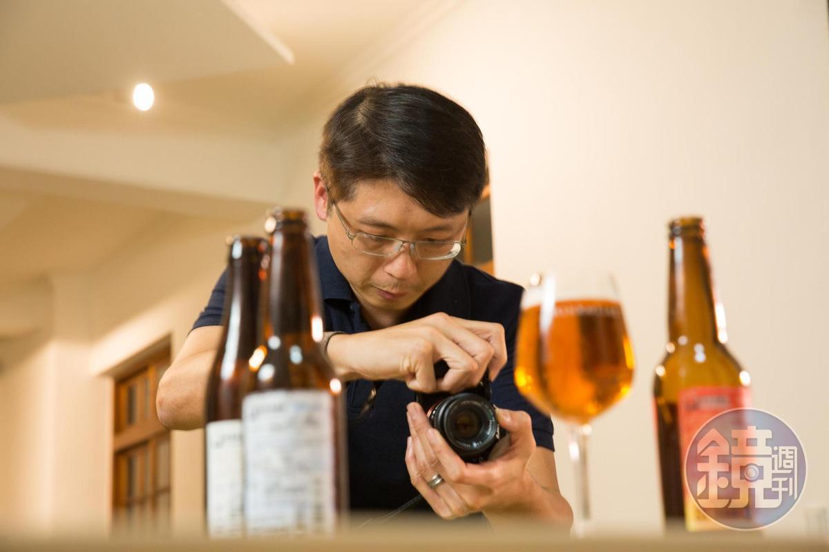 創業維艱,養不起行銷業務,工程師背景的宋培弘自行經營臉書粉絲團,傳達每一款酒的初衷