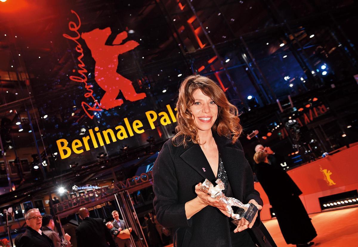 2019柏林影展有7位女性導演入圍競賽片單元,圖為獲頒亞佛雷德鮑爾銀熊獎的諾拉芬雪特 。(東方IC)