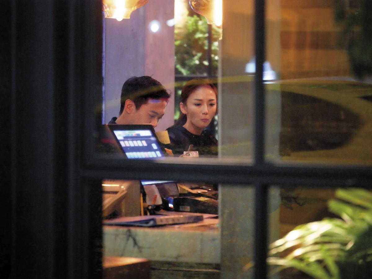 本刊曾經直擊,劉喬安跟友人外出聚會,過著比以前相對低調的生活。