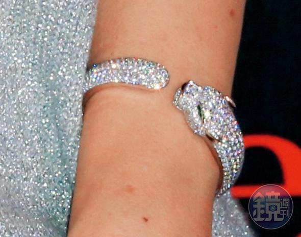 卡地亞美洲豹手環,約NT$7,550,000。
