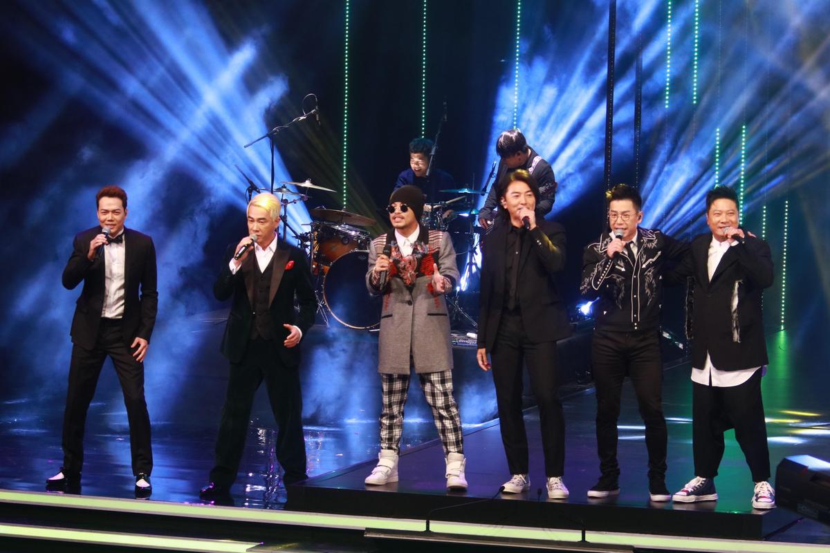 《古惑仔》5子表演入圍的電影歌曲〈一起衝一起闖〉,最後黃明志也亂入加入一起rap。(IC PHOTO)
