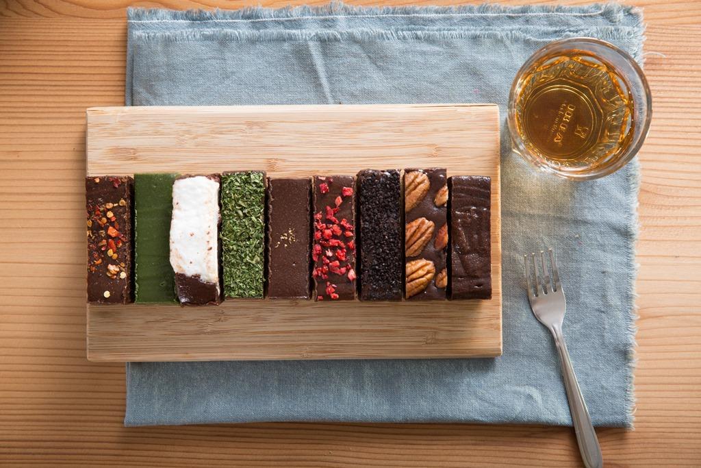 「堯平」布朗尼專賣店研發出9種口味。(二店提供單片內用,80元/片。)