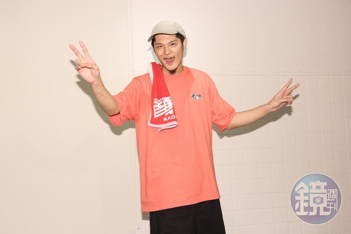 Leo王雙料入圍本屆金曲獎最佳國語男歌手、最佳國語專輯獎,言談充滿饒舌歌手的自嘲與幽默。