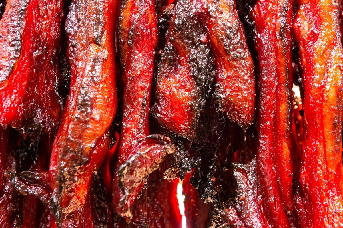了凡的紅牌之一「叉燒」 邊緣焦炙,色澤紅艷、香氣濃甜。