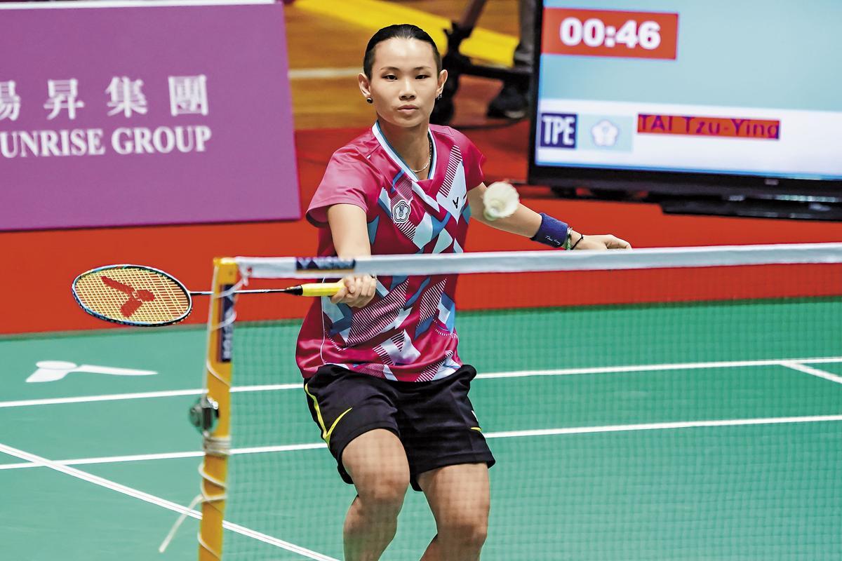 1994年6月20日高雄出生,2011年時以16歲半之齡成為台灣羽球史上最年輕的「球后」。2016年戴資穎贏得2016年香港羽球超級賽女單冠軍後,累計所得積分登上世界女單排名第一,躍升為台灣羽球史上首位「世界球后」,並在2017年4月贏得台灣有史以來第一面羽球亞錦賽金牌,此次世大運也率領中華隊奪下團體金牌,並力爭女單金牌。