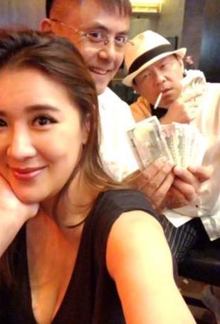 小禎帶著女兒和三五好友前往賭城度假,一行人還包括了曾國城一家四口。(翻攝自小禎臉書)
