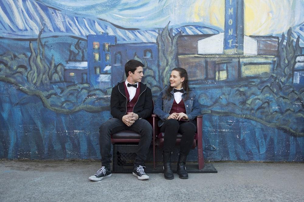 漢娜與克雷是一起在戲院打工的夥伴,他們不知道彼此其實都有點喜歡對方,卻一直等待對方採取行動 。