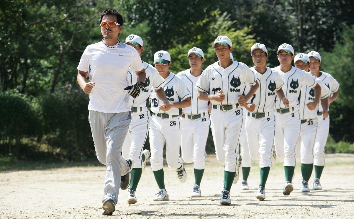 以棒球為背景的《棒球之愛》,是申東益與名導康佑碩合作的作品。(翻攝自Daum網站)