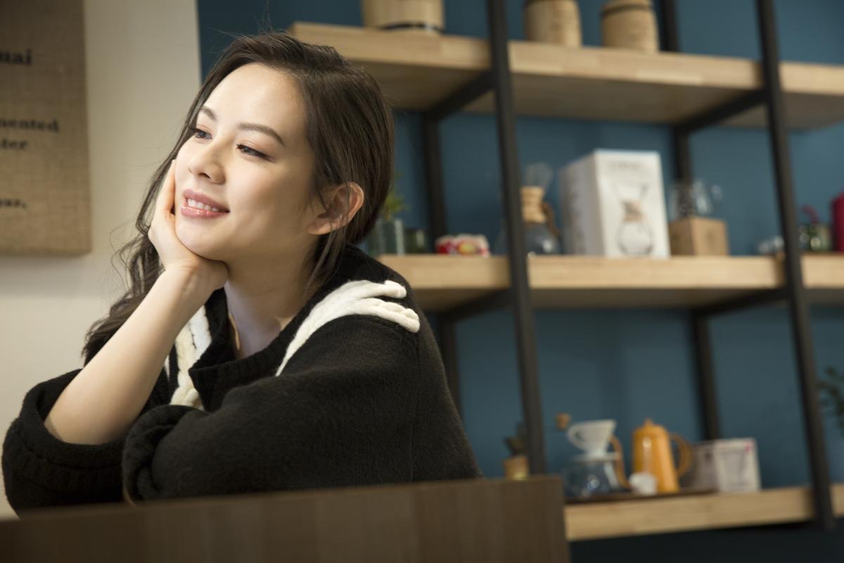 為〈徠卡味〉MV,王詩安遠赴中國大理拍攝。(賦音樂提供)