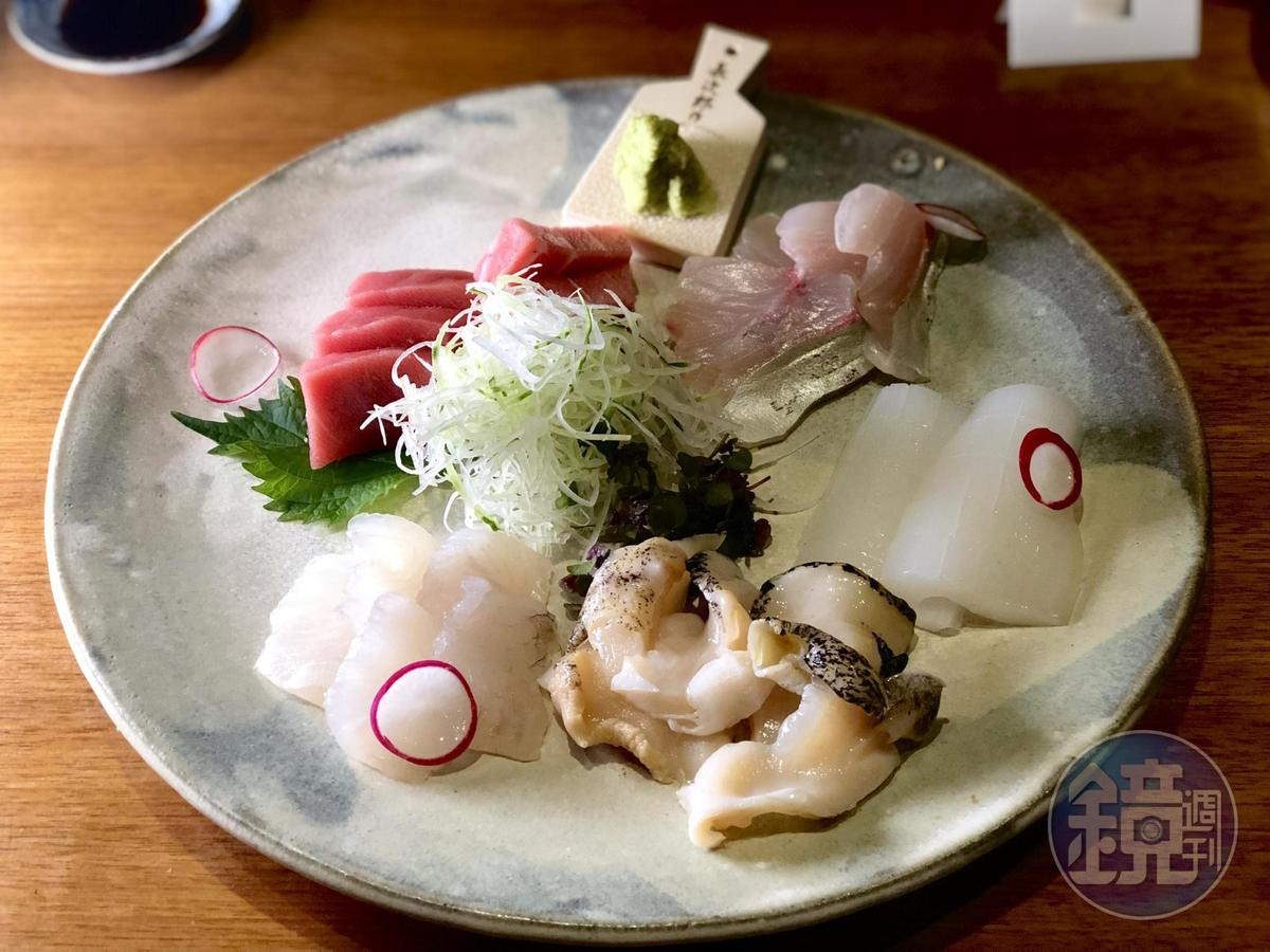 來自日本各地高級漁獲的「綜合生魚片」。