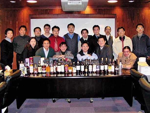2005年1月1日社團草創成立合照。