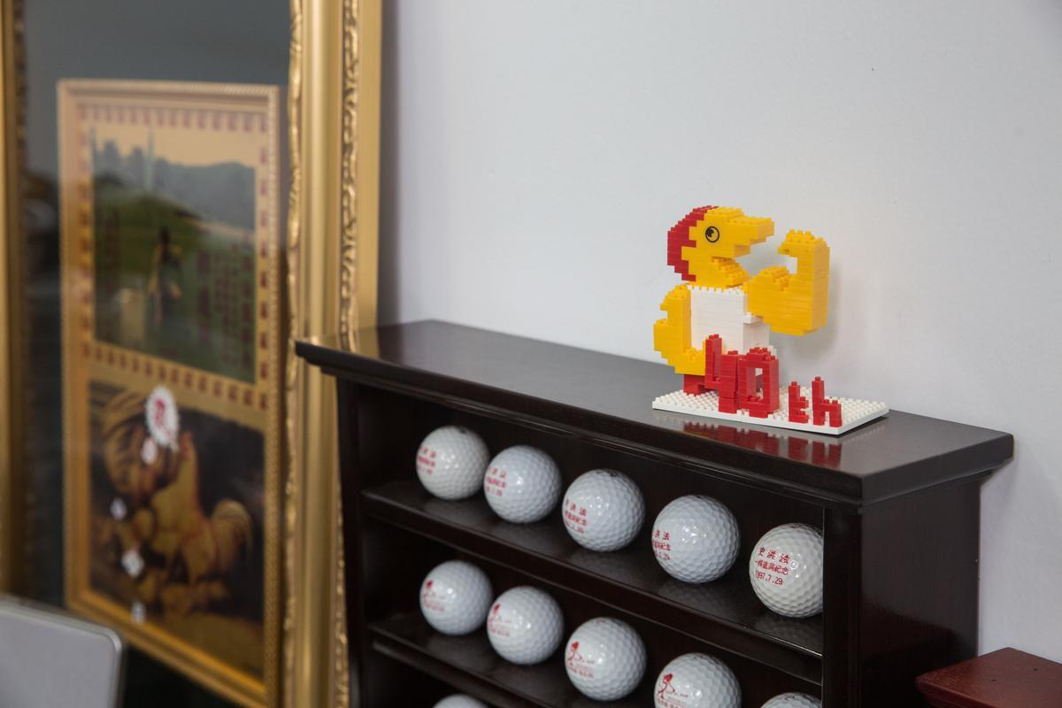 史洪法承諾父親要讓頂呱呱屹立半世紀,辦公室擺放40週年樂高模型,億外流露赤子之心。