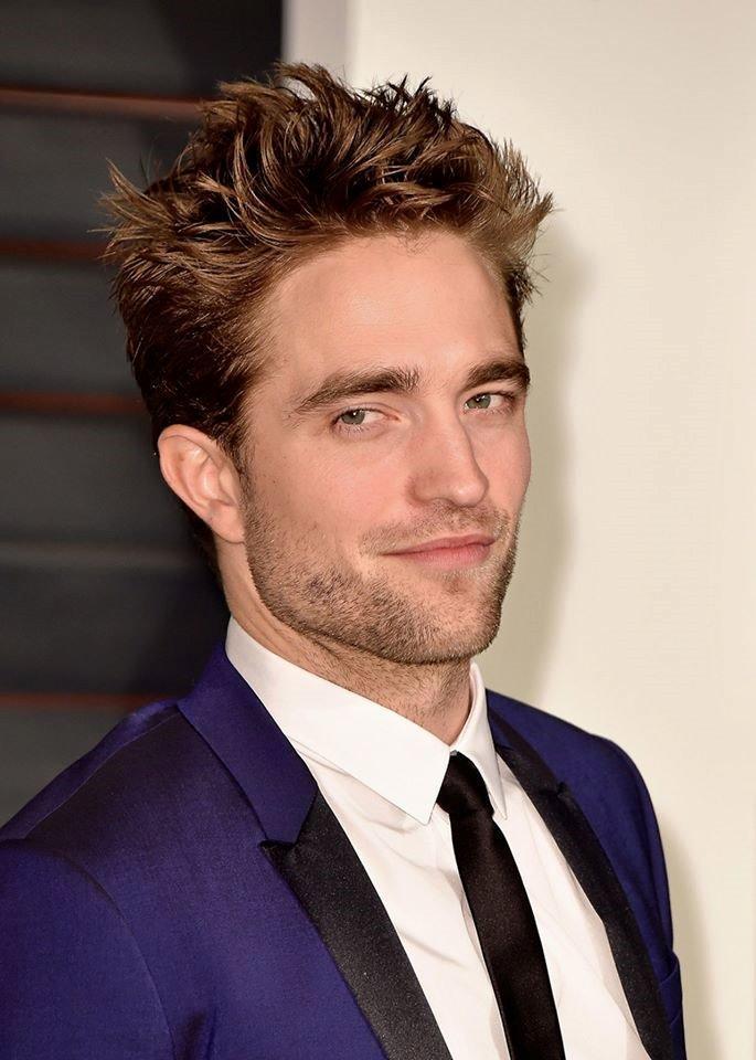 飾演西追的Robert Pattinson。(翻攝自臉書)