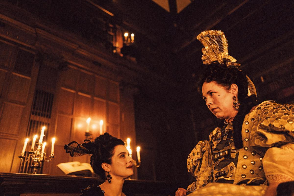 描述二女勾心鬥角爭取女王寵幸的《真寵》今年入圍10項奧斯卡,飾演安妮女王的奧莉維亞柯曼(右)和女星瑞秋懷茲(左)也分別入圍女主角和女配角獎。