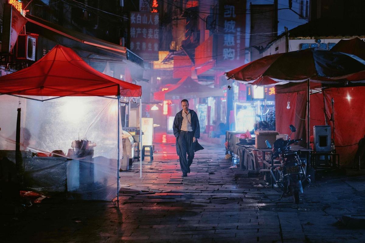 中國大陸導演畢贛執導的《地球最後的夜晚》。去年入圍坎城影展「一種注目」單元,也獲金馬獎5項提名。 (甲上娛樂提供)
