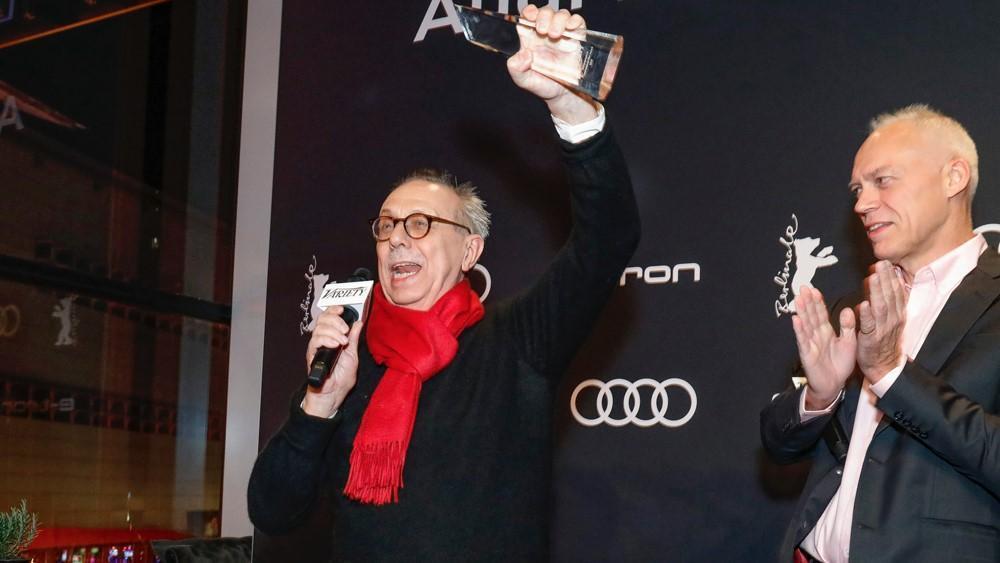 寇斯利克今年卸任柏林影展主席, 《綜藝報》頒發國際電影成就獎給他。《翻攝自variety.com/byKurtKrieger)