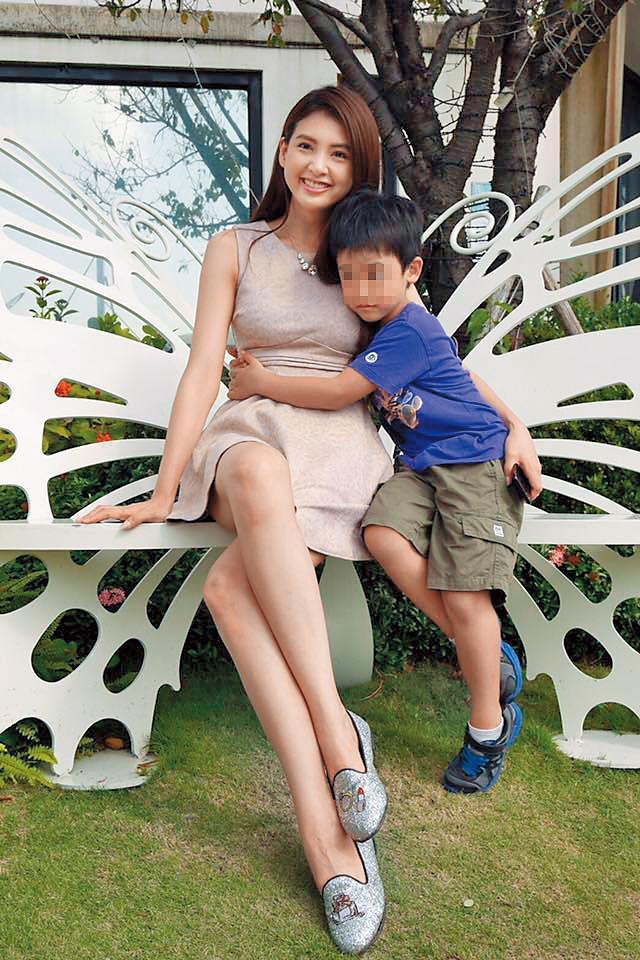 韋汝和張綱維的兒子今年已7歲。(翻攝自韋汝臉書)