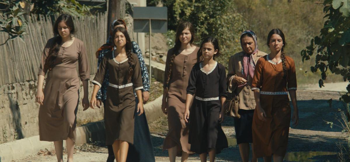 受政治因素影響,吉伯特促成《少女離家記》代表法國、而非土耳其,角逐奧斯卡最佳外語片,並獲得提名。(翻攝自imdb.com)