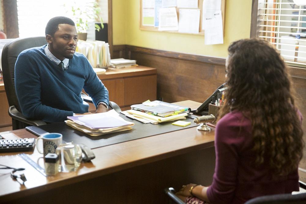 漢娜面對學校輔導室波特老師,她以為自己可以放下被傷害的過去,但老師的反應卻改變了一切。