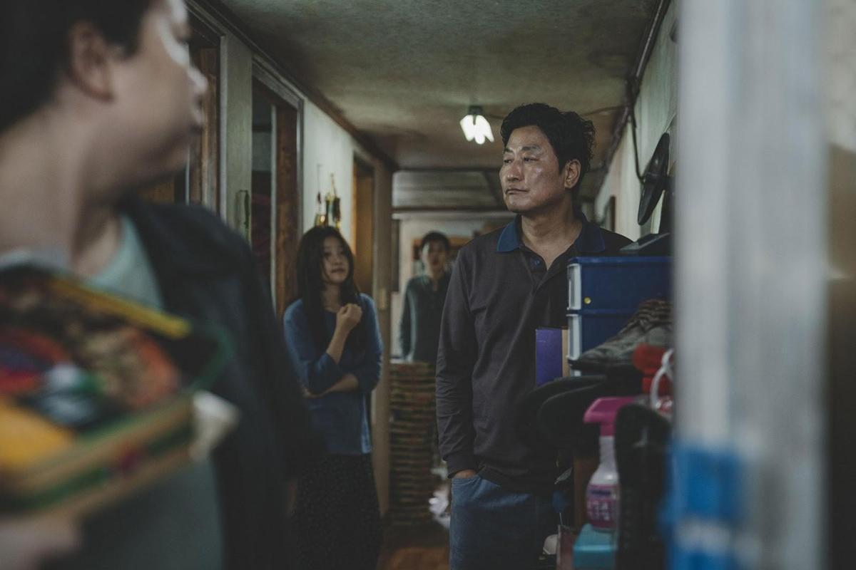 奉俊昊執導、宋康昊主演的新片《寄生蟲》,是CATCHPLAY謹慎挑選購買的暑假檔強片。(CATCHPLAY提供)