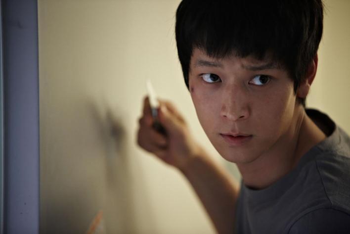 有韓國四大公共財之一封號的姜棟元,在《義兄弟》中飾演帥氣北韓特工。(翻攝自Daum網站)