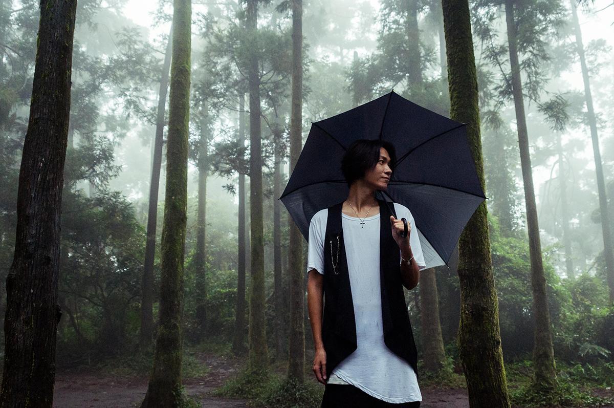 黃少谷的〈將來〉MV在地下道、竹子湖等場地取景,從台北拍到外縣市。(喜好音樂供給)