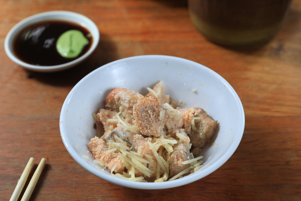 草魚的「魚卵」滋味香綿。(30元/份)