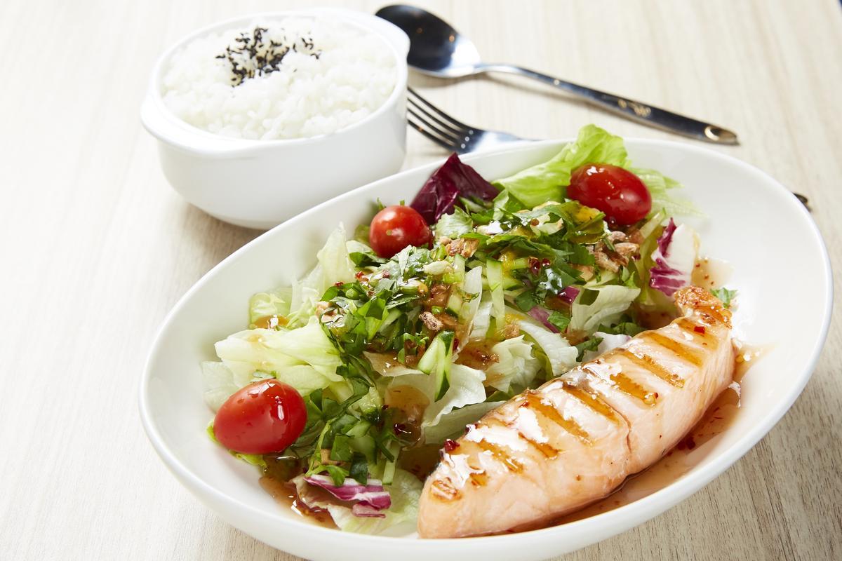 這次來到「美威鮭魚」,吳心緹覺得店裡的鮭魚料理真的很厲害。