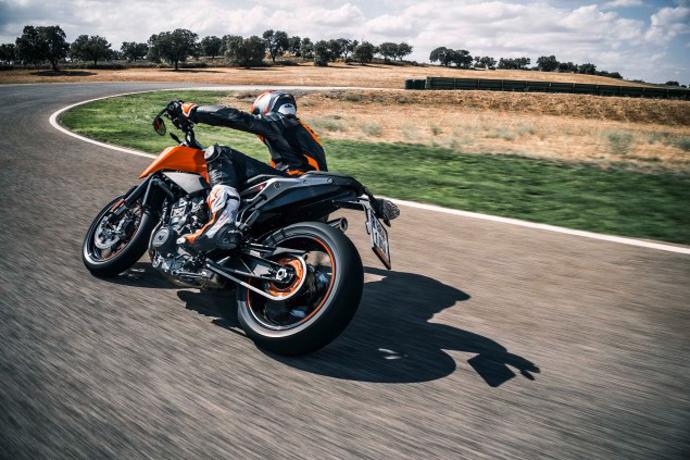 騎士完全不用擔心低轉扭力與爆發力的問題,因為這正是KTM的靈魂所向。