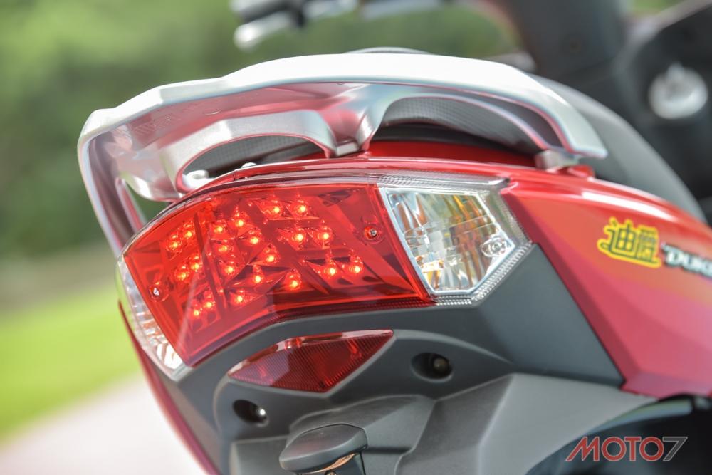 碟煞版本搭載LED尾燈燈具,具有優良的辨識度。