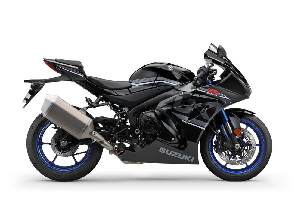 R版的黑色則是唯一採用灰色線條裝飾的配色。