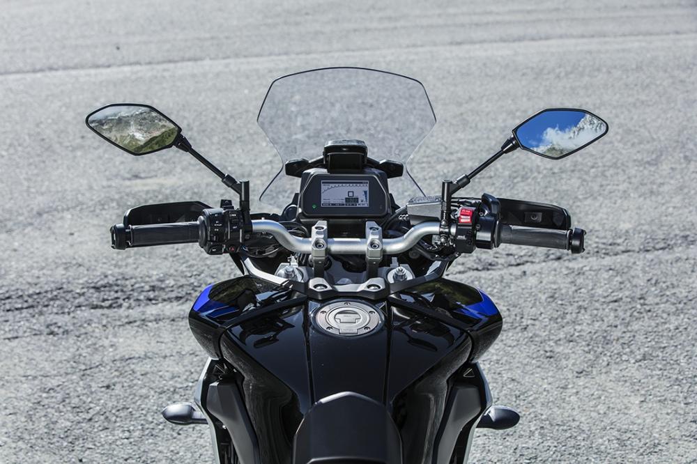 更大的風鏡面積提供更好的騎乘體驗。