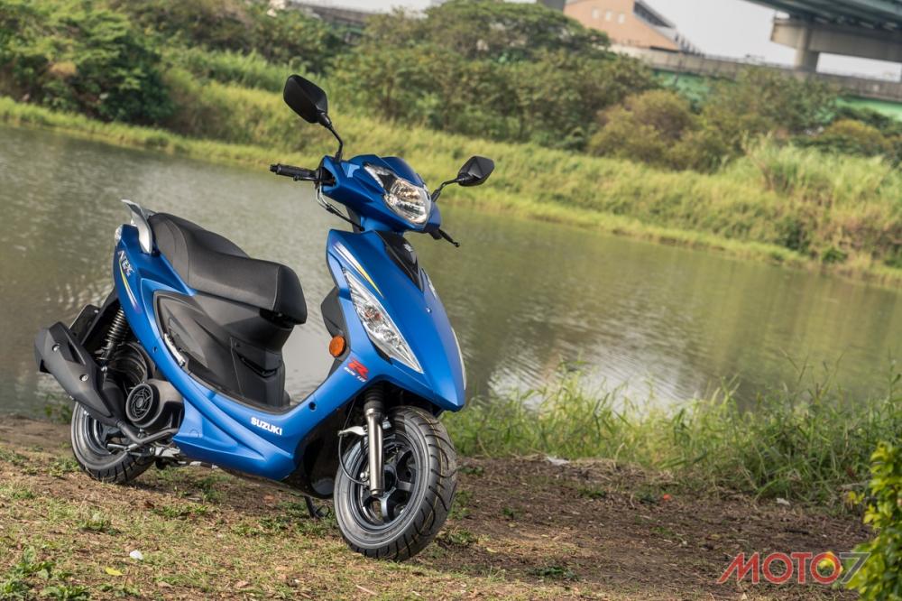 採用SUZUKI經典藍色,透過消光處理更顯質感。