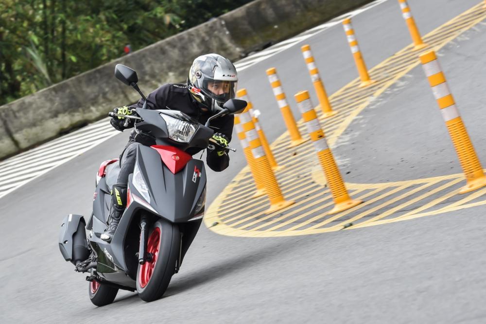 線性的動力,除了易於油門的操控,也讓OZS 150 更容易駕輕就熟。