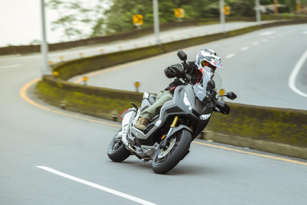 增加引擎轉速,最直接的感受就是山路的節奏能更好了。