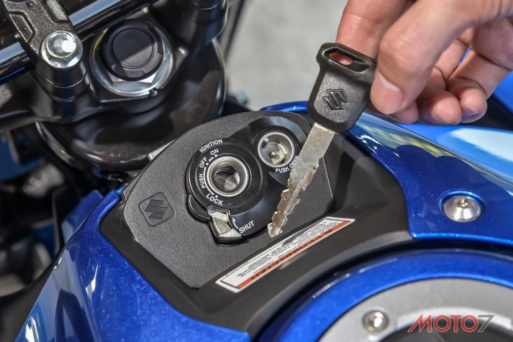 GSX-S150使用傳統鑰匙並搭配磁石鎖。