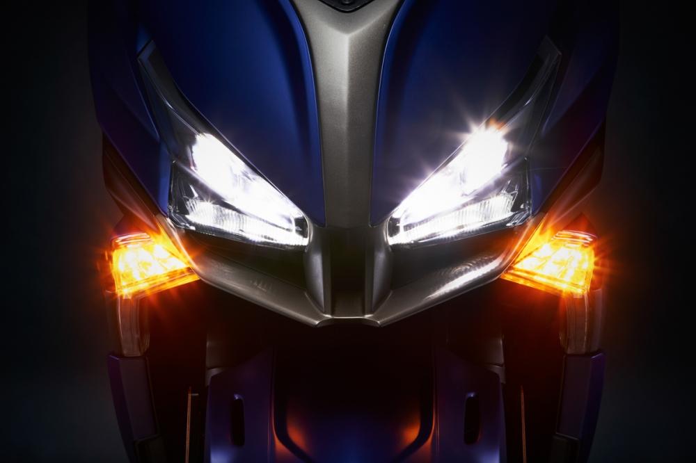 大燈造型更加銳利,採用LED後也縮小燈具體積。