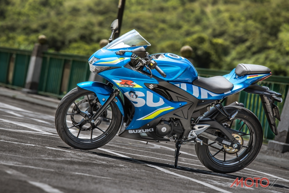 輕跑激鬥! YAMAHA YZF-R15 vs SUZUKI GSX-R150