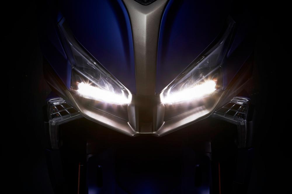 導入同級距車款中首次搭載的LED晝行燈。