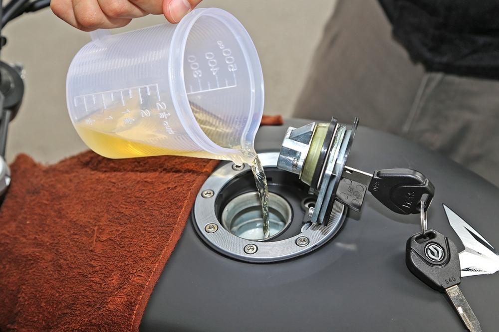 混油時要注意辛烷值只能往上加不能往下。