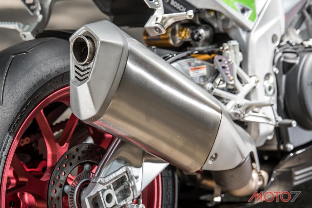 排氣管造型也有些修改,質感提升不少。