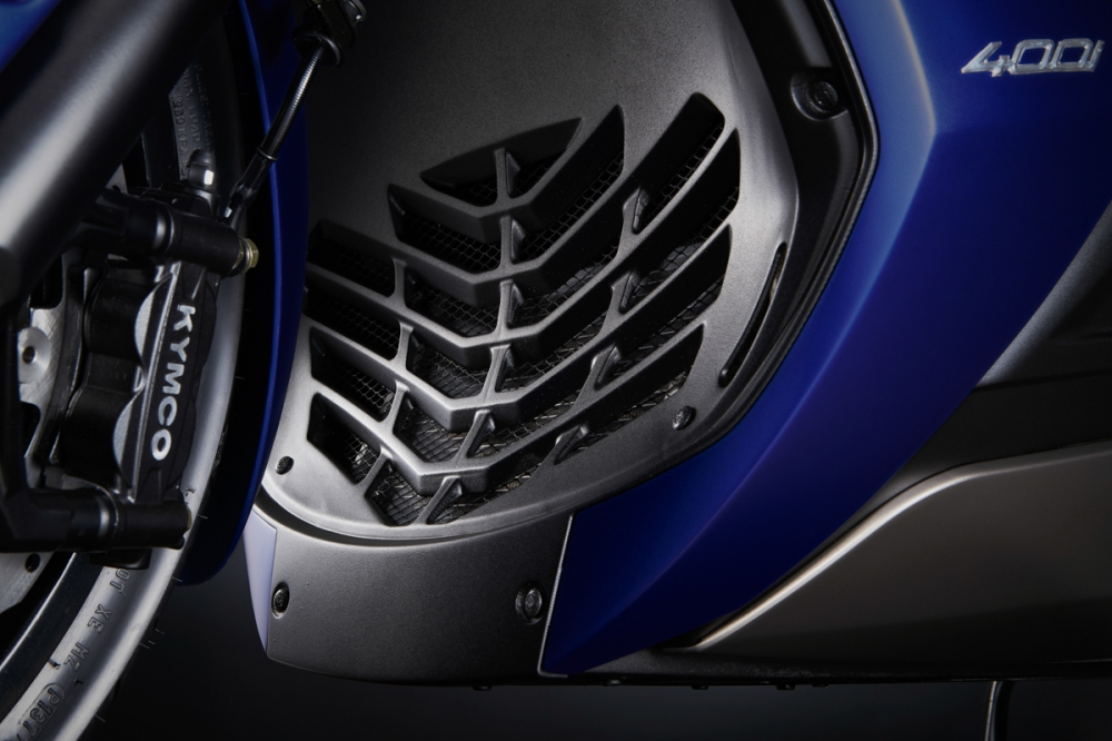 399cc水冷四行程單缸引擎,擁有36PS的強勁馬力。