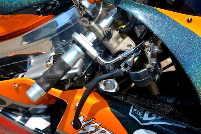 BREMBO RCS 19總泵和Active 快速油門座