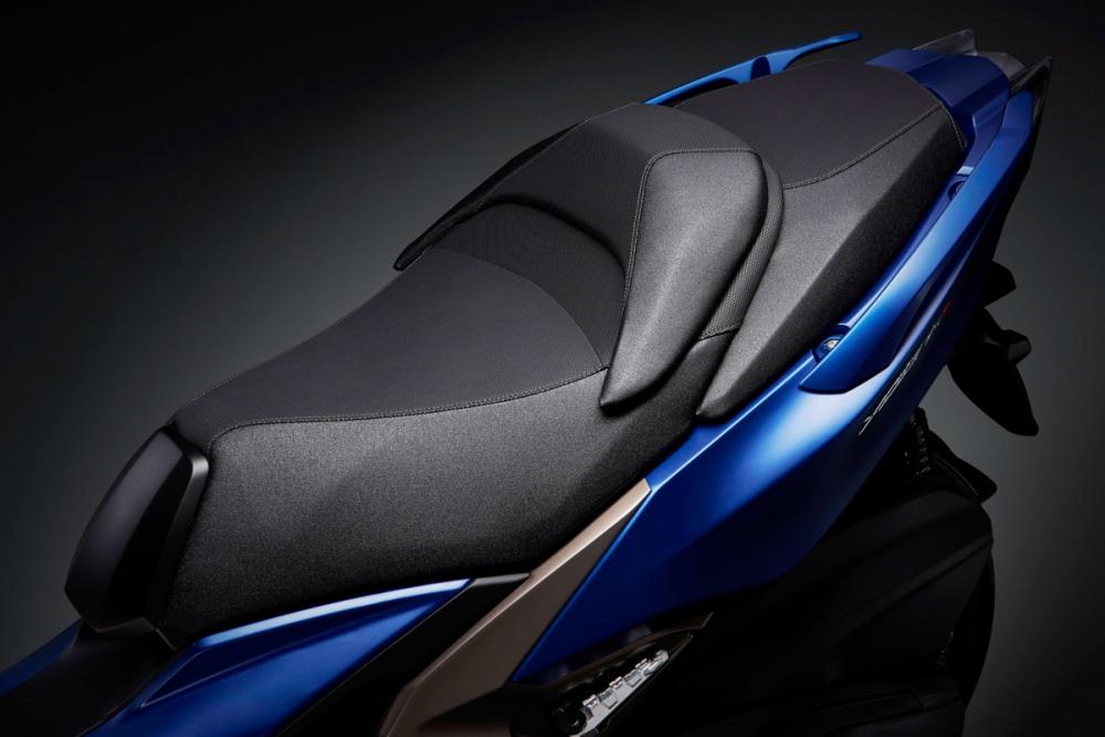 大型的前座腰靠能夠給予舒適的騎乘。