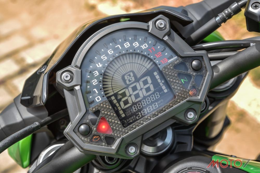 LCD液晶儀錶板。