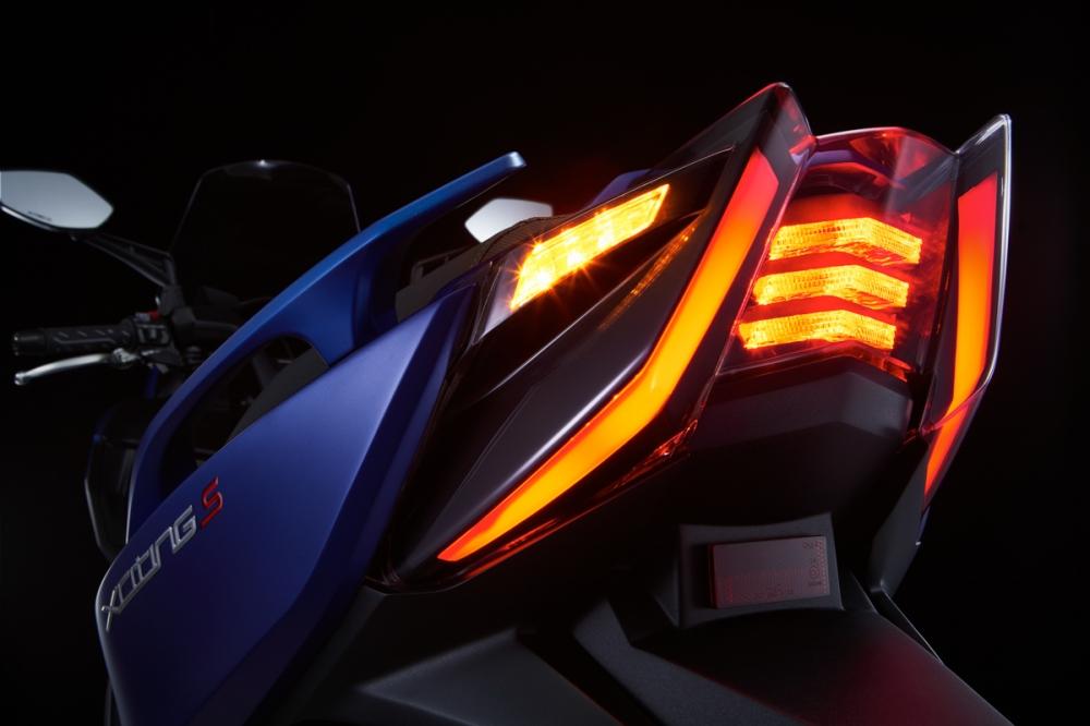 尾燈大量採用導光條元素,在夜間將有極高的辨識度。