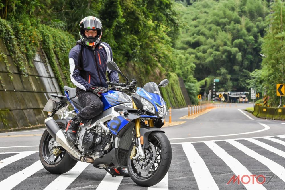 Moto7站長實測Tuono V4 1100 RR