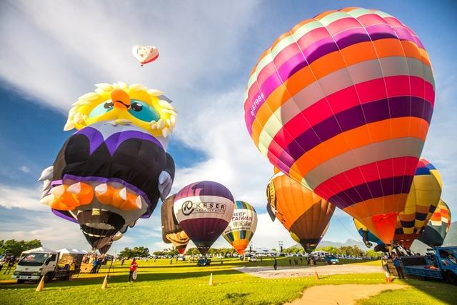五花八門的熱氣球齊聚嘉年華。圖:台灣國際熱氣球嘉年華官網/提供