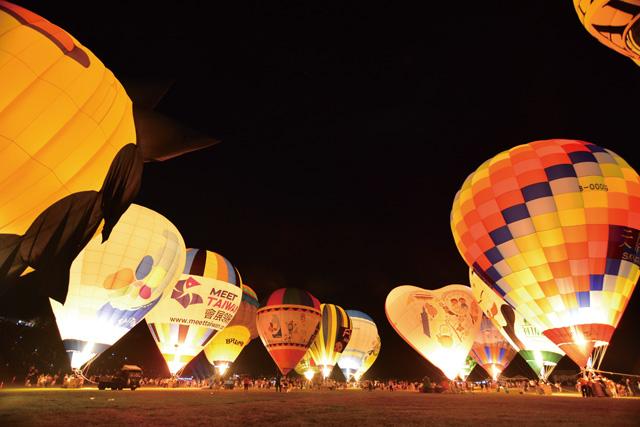 除了開閉幕的熱氣球光雕音樂會於鹿野高台舉行,首次串連市區、南迴及東海岸等地舉辦。圖片提供/台東縣政府