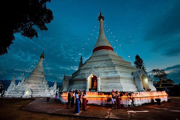 泰國湄宏順府的Wat Phra That Doi Kong Mu寺(圖/泰國觀光局台北辦事處,以下同)